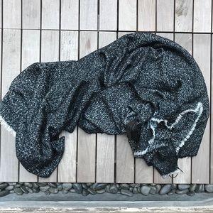 ZARA Black & White Oversized Knit Scarf
